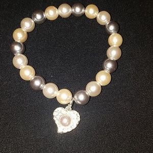 Jewelry - 👸📿 Stretchy pearl bracelet